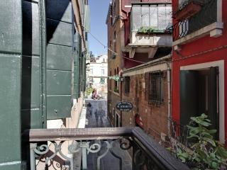 Superior Bragora ,air conditioner-3 minute to St. - Venice vacation rentals