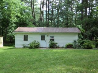 Quiet, Homely Cabin on the Banks of Large Creek! - Jersey Mills vacation rentals