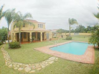 BEAUTIFUL VILLA W/POOL LUQUILLO BEACH & RAINFOREST - Luquillo vacation rentals
