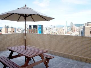 MRT Dongmen,Yongkang Street, Loft in Downtown TAIPEI - Taiwan vacation rentals