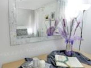 Double bedroom_Mirror and chest of drawers - San Giovanni and Paolo delux: charming 4-sleep apartment located in the heart of Venice. - Venice - rentals