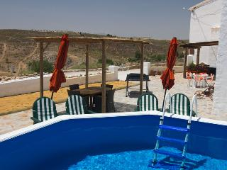Sunny House with Internet Access and Shared Outdoor Pool - Cullar vacation rentals