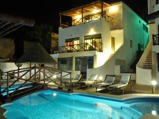 LAST MINUTE! Beautiful Beach House free for XMas and New Year in Yucatan - Campeche vacation rentals
