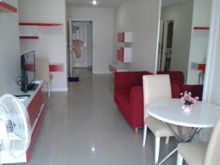 Brand new condo 44 Sqm close to BTS station Bangwaa - Samut Prakan Province vacation rentals