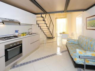 2 bedroom Condo with A/C in Amalfi - Amalfi vacation rentals