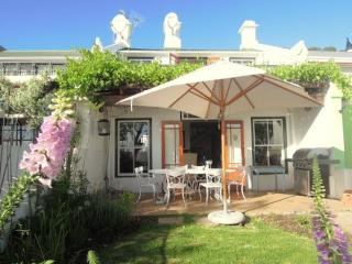 Magical Cottage overlooking Cape Town Harbour - Cape Town vacation rentals