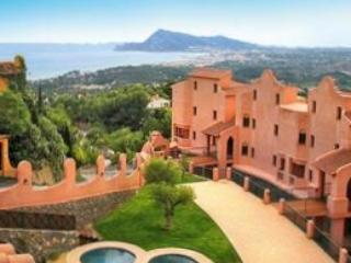 Fabulous views from upscale hilltop condo - Altea la Vella vacation rentals