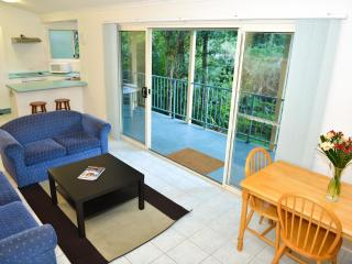 Lovely 2 bedroom furnished in relaxing location - New South Wales vacation rentals