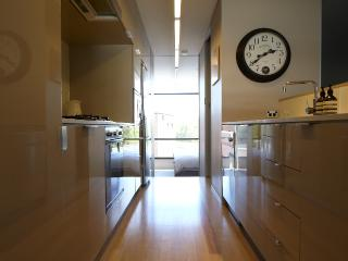 Executive2 bed inner-city apartment- pool, gym, sauna - Sydney vacation rentals