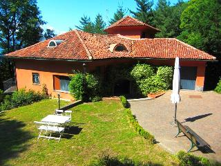 Peaceful villa by the shores of Lake Maggiore - Ispra vacation rentals