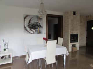 Perfect 2 bedroom Apartment in Pula - Pula vacation rentals