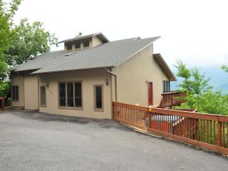 5 bedroom 4 bath luxurious cabin with panoramic view - Gatlinburg vacation rentals