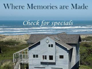 THE OCEANFRONT CASTLE, BEAUTIFUL HOME & VIEW, GAME ROOM, WATCH WHALES NOW!! - Gold Beach vacation rentals