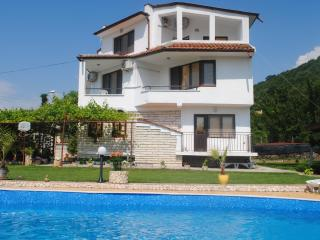 Adorable 6 bedroom Balchik Villa with Internet Access - Balchik vacation rentals