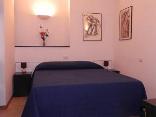 Florence Center Onebedroom Apartment Lorenzo - Florence vacation rentals