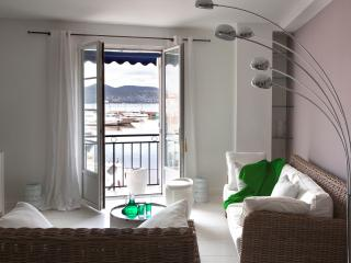 Apartment With amazing View on St Tropez Harbour - Saint-Tropez vacation rentals