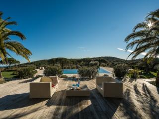Majestic St Tropez 6 Bedroom Villa with Tennis Court and Pool - Saint-Tropez vacation rentals