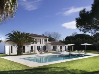 Modern Villa Saint-Tropez, 6 bedrooms, 12 people - Saint-Tropez vacation rentals