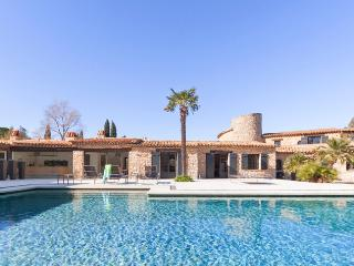 Old bastide renovated in St-Tropez - Grimaud vacation rentals