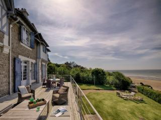 Spectacular villa with beach frontage in Deauville - Honfleur vacation rentals