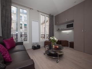 Superb Studio for 4 at Sorbonne - Amsterdam vacation rentals