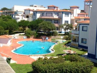 Two bedroom apart - luxurious Golf & Beach Resort - Costa de Lisboa vacation rentals