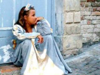 Little girl at Palio del Daino - B&B Daino Blu - Peaceful place in a natural valley - Mondaino - rentals