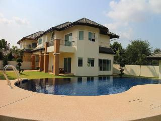 Villa Siam Country Club Pattaya - Sao Hai vacation rentals