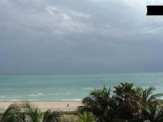 BUDGET ACCOM.+PARKING+POOL+WIFI!! 426 - Miami Beach vacation rentals