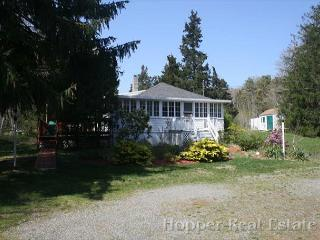 Adorable 3 bedroom North Eastham Cottage with Deck - North Eastham vacation rentals