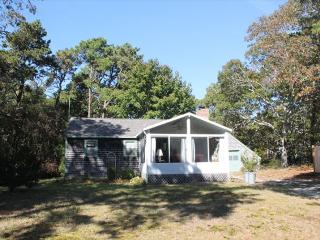 Wonderful 3 bedroom Cottage in North Eastham with Deck - North Eastham vacation rentals