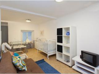 Nice 2 bedroom Condo in Lisbon - Lisbon vacation rentals