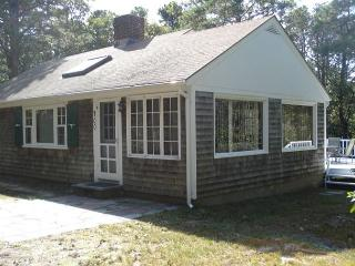 Sunny 2 bedroom Eastham House with Deck - Eastham vacation rentals