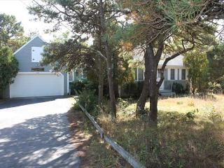 Lovely 3 bedroom North Eastham House with Deck - North Eastham vacation rentals