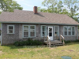 Beautiful 3 bedroom North Eastham Farmhouse Barn with Deck - North Eastham vacation rentals