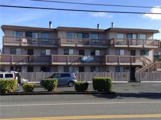 Cabana Club 209 - 2 Bedroom w/Loft Condo - Birch Bay vacation rentals