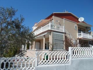 Beautiful and peaceful apartment Violeta for 4 persons in Rtina - Rtina vacation rentals