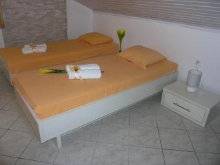 Cozy studio apartment Dido 1 for 4pax in Novalja - Novalja vacation rentals