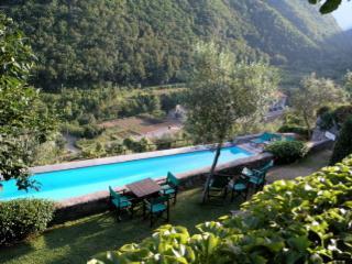 13c48b4c-abba-11e3-bdb6-782bcb2e2636 - Liguria vacation rentals
