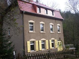 Vacation Apartment in Waldheim, Saxony - 1184 sqft, comfortable, bright, relaxing (# 5002) - Frohburg vacation rentals