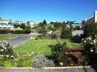 Self Catering Apartment. Rosendal. Bellville. CT. - Kenridge vacation rentals