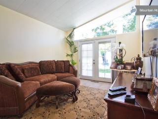 Beautiful Mountain View Home in LA - Agua Dulce vacation rentals
