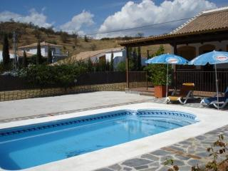 Villa - Views, Aircon, Sat TV, Wi-fi, private pool - Guaro vacation rentals