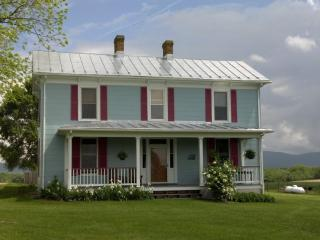 Shenandoah Valley Farmhouse - Shenandoah Valley vacation rentals