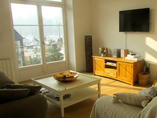 Luxury home with harbour views near Dinan (C004) - Roz-sur-Couesnon vacation rentals