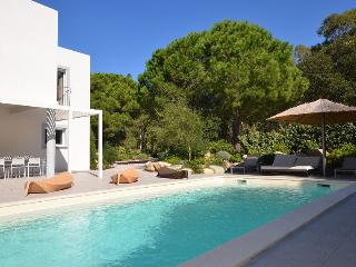 Charming 6 bedroom Calvi House with Private Outdoor Pool - Calvi vacation rentals