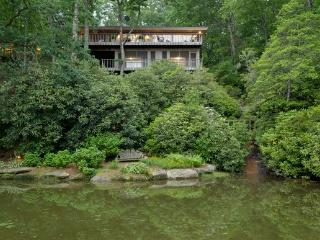 A unique 5 bed, private, beautifully updated, and spacious lakefront vacation home on Lake Toxaway, perfect for a large family - Lake Toxaway vacation rentals