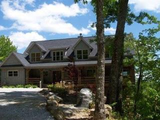 Fantastic 3 bed home in a mountain setting on Lake Toxaway with beautiful views from each room of the house - Lake Toxaway vacation rentals