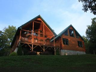 Beautiful Log Cabin in Franklin, NC - Franklin vacation rentals