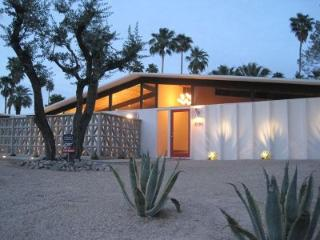 Gorgeous Mid-century Gem with Amazing Views!! - Palm Springs vacation rentals